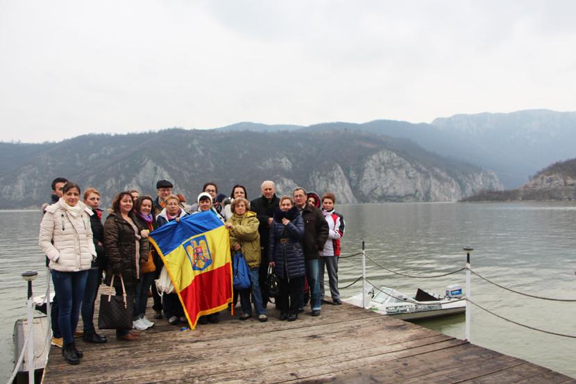Vizita la Cazanele Dunarii pentru a vedea chipul lui Decebal si manastirea Mraconia